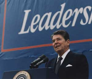 Ronald Reagan gives a speech using a pair of Shure SM57 mics.