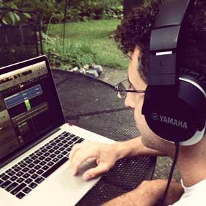 Halsey keyboardist Greg Spero working on software synth sound design