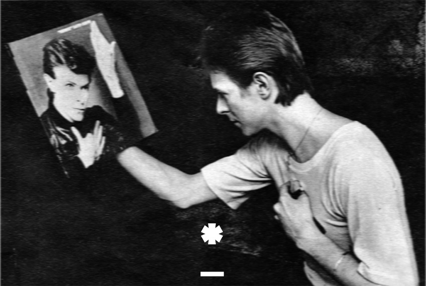 David Bowie - Looking at the Mirror