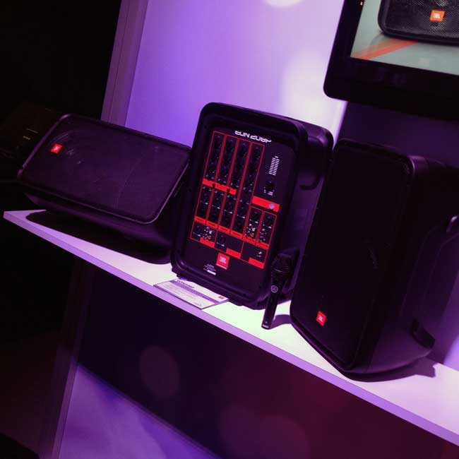 JBL EON208P at NAMM 2016