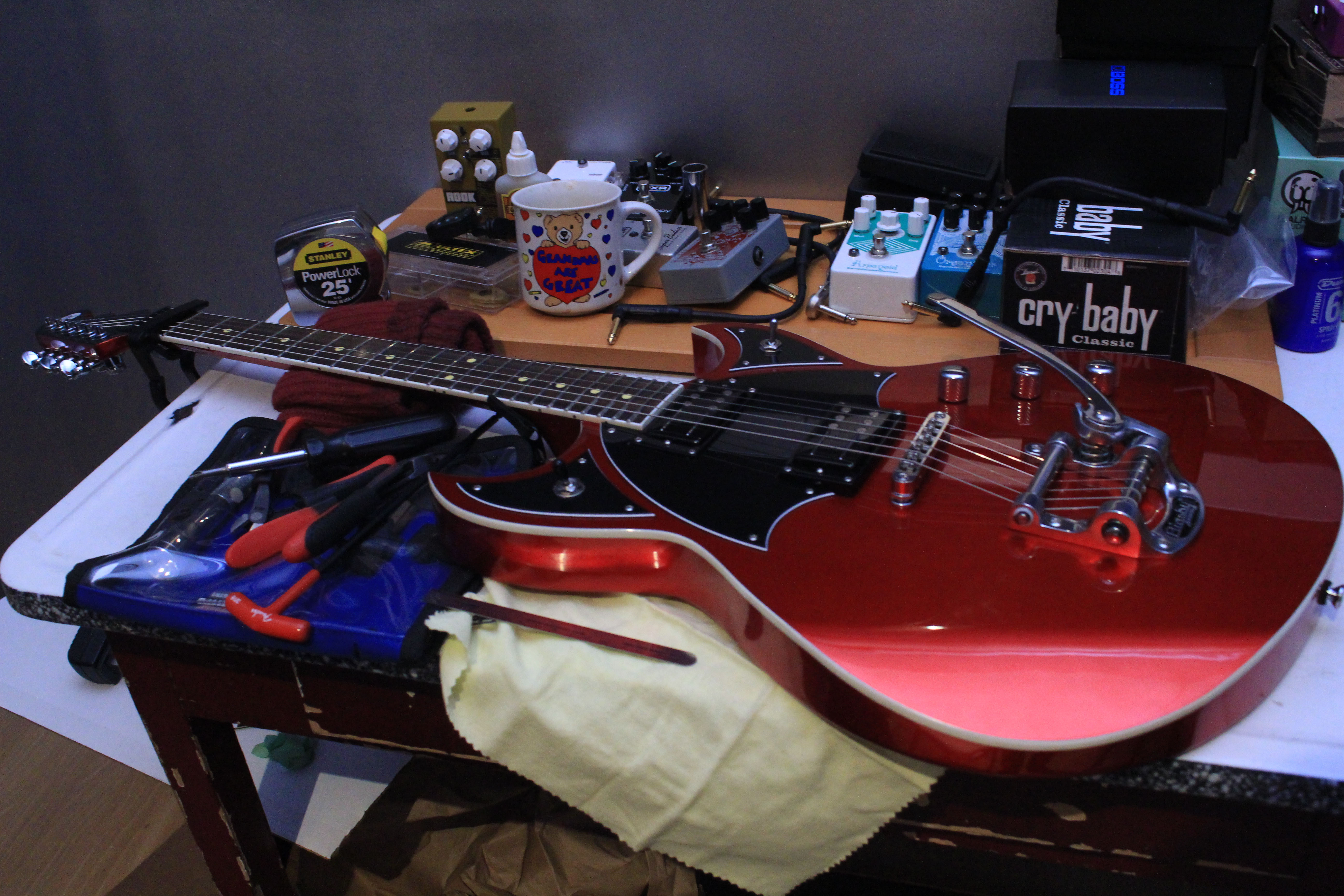 a rough guide to setting up your guitar zzounds music blog. Black Bedroom Furniture Sets. Home Design Ideas