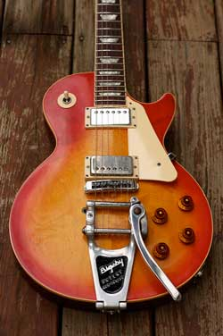 A Bigsby tremolo on a Gibson Les Paul (Photo Credit: irish10567 via Flickr)