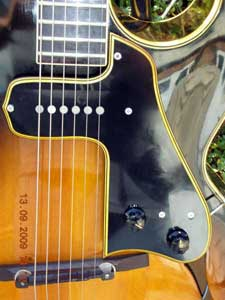 A McCarty pickguard (Photo Credit: www.lollarguitars.com)