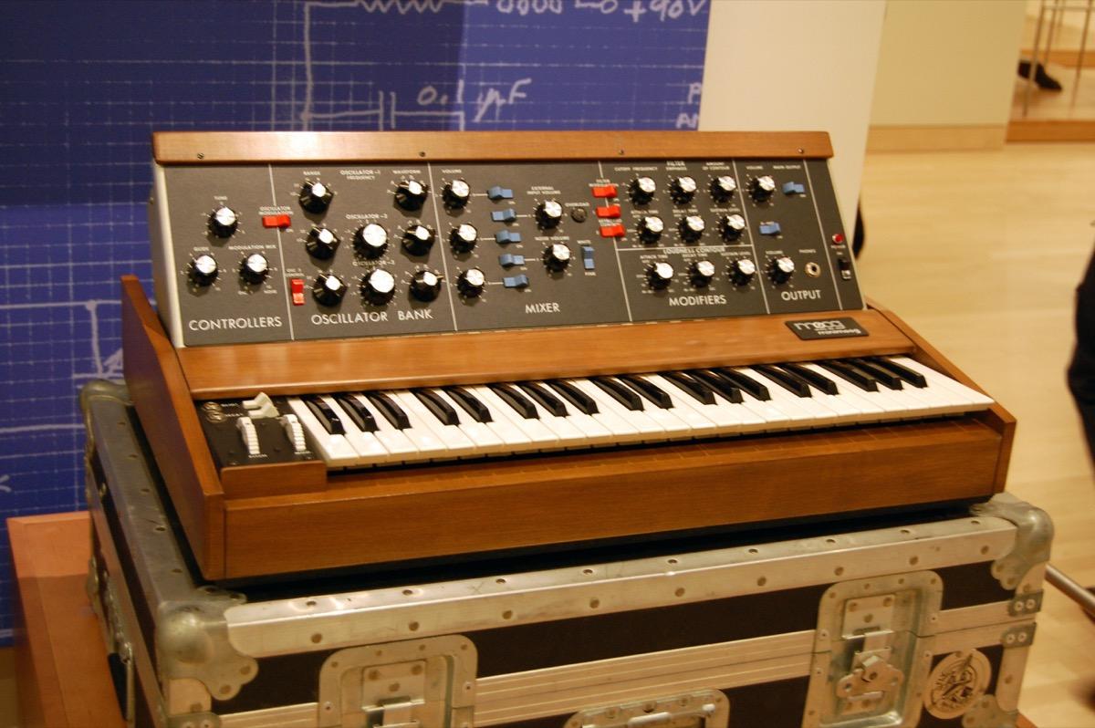 Vintage Moog Minimoog Model D/(cc) Wikimedia