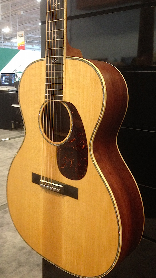 The NAMM Show Special SS-00L41-16 demonstrates legendary Martin craftsmanship at its best.