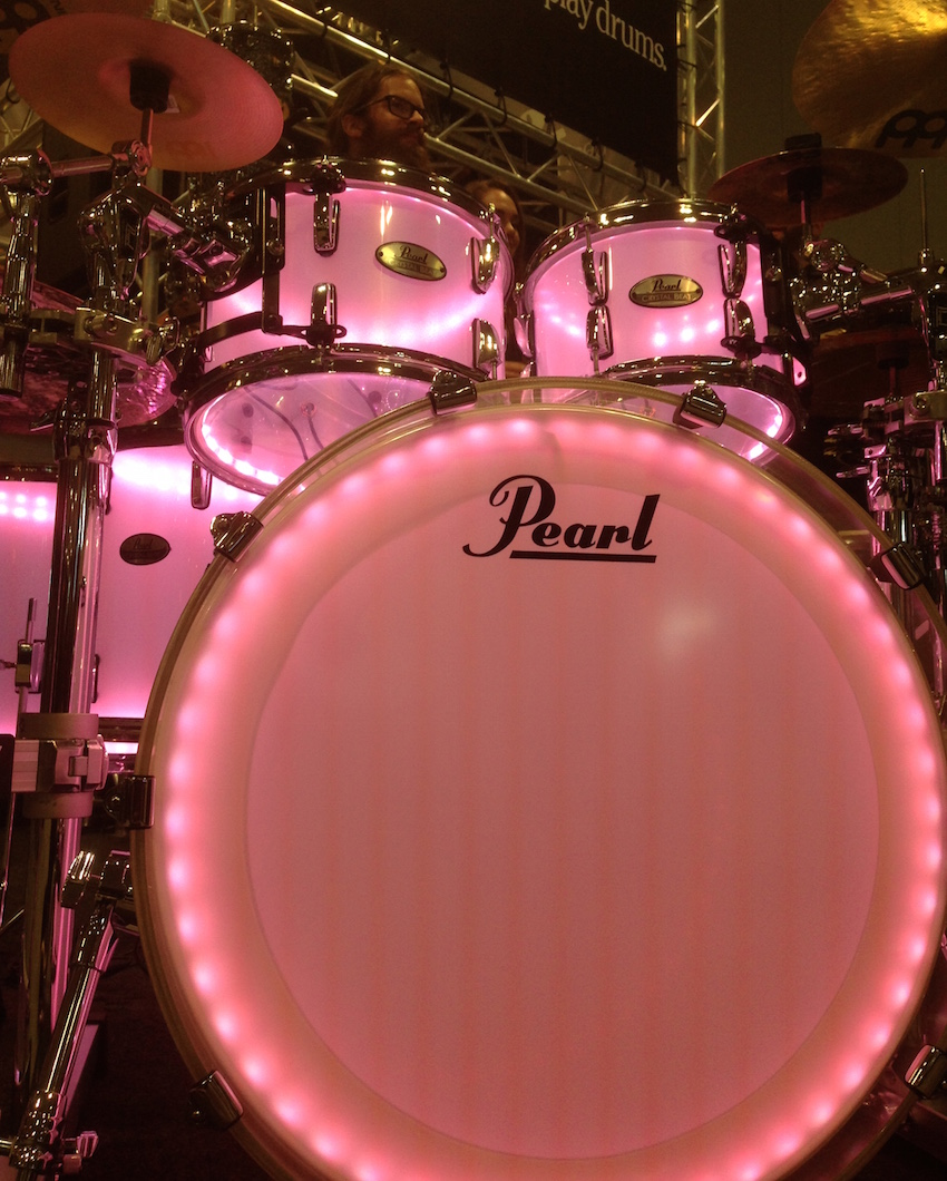 A closer view of the Pearl Crystal Beat acrylic kit!