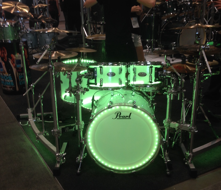 The Pearl Crystal Beat acrylic kit looks really cool all lit up!
