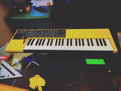 Kenny's yellow Nord Wave.