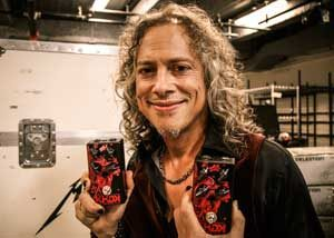 Kirk Hammett showing off a few friends of his.