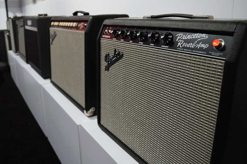 a guide to 65 reissue fender amps zzounds music blog rh blog zzounds com Fender 30 Tube Amp Fender Deluxe Amplifier