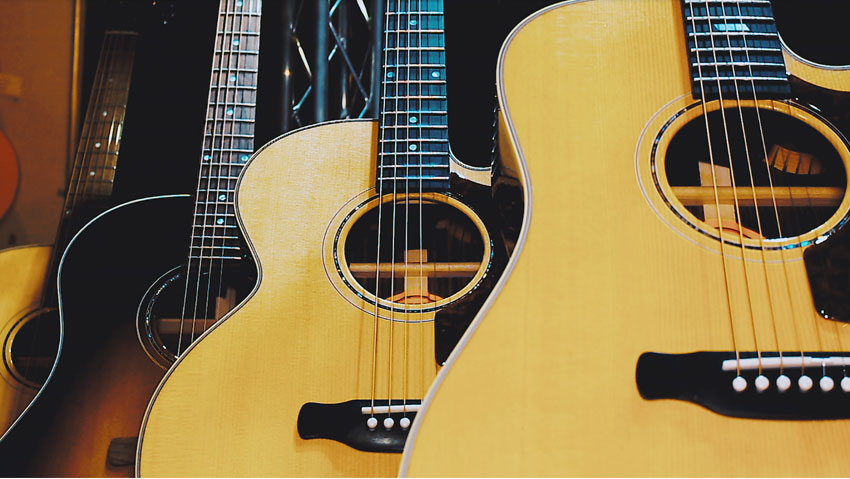 New for 2018 is the Avant Garde series of acoustic models. These models, like the Parlor acoustic (middle) and J (right) offer twists on the classics with slimmer body depths and performance cutaways.