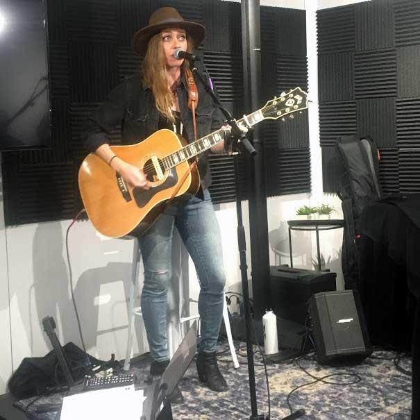 Singer-songwriter Megan Slankard demos the Bose S1