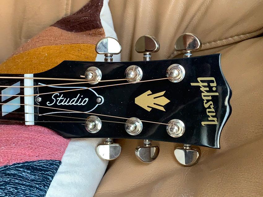 Gibson Hummingbird Studio Rosewood headstock detail