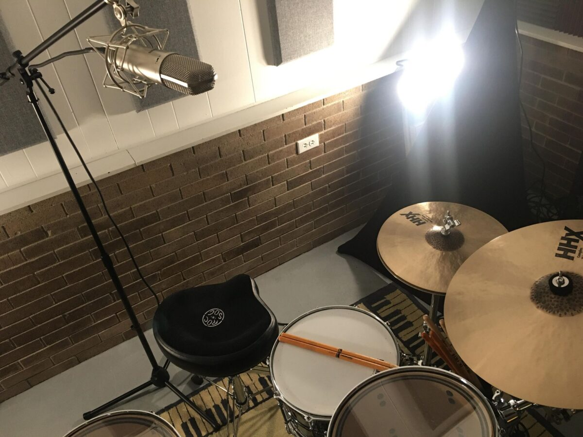 Recording Drums with One Microphone: Cardioid Polar Pattern, above snare